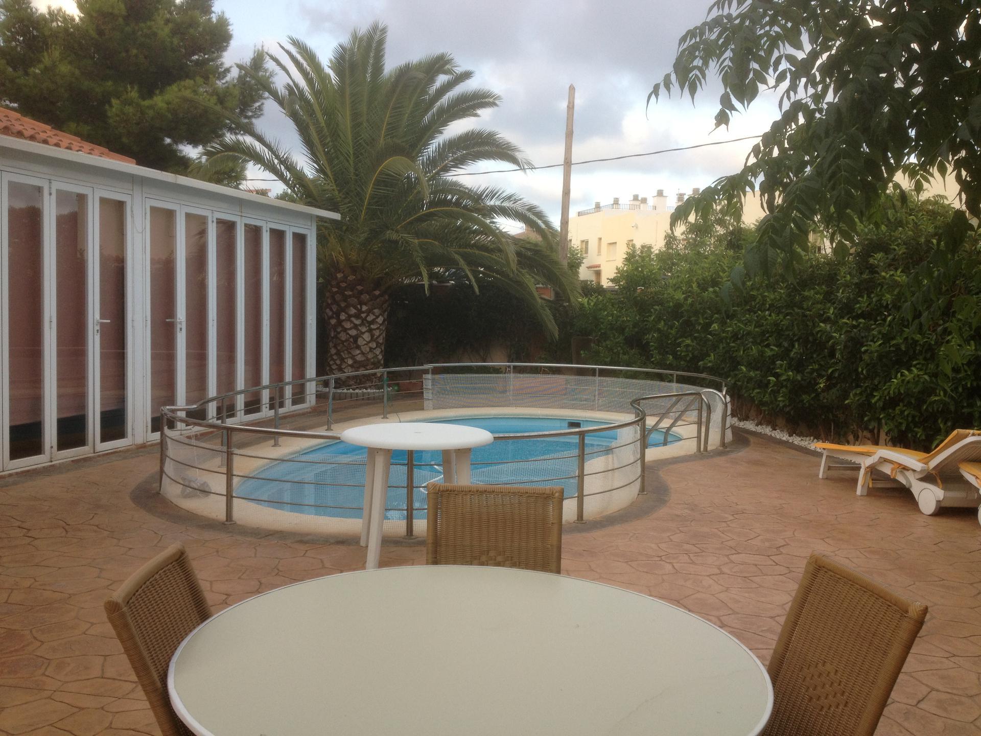дом -                                       Miami Playa -                                       4 спальни -                                       0 человека